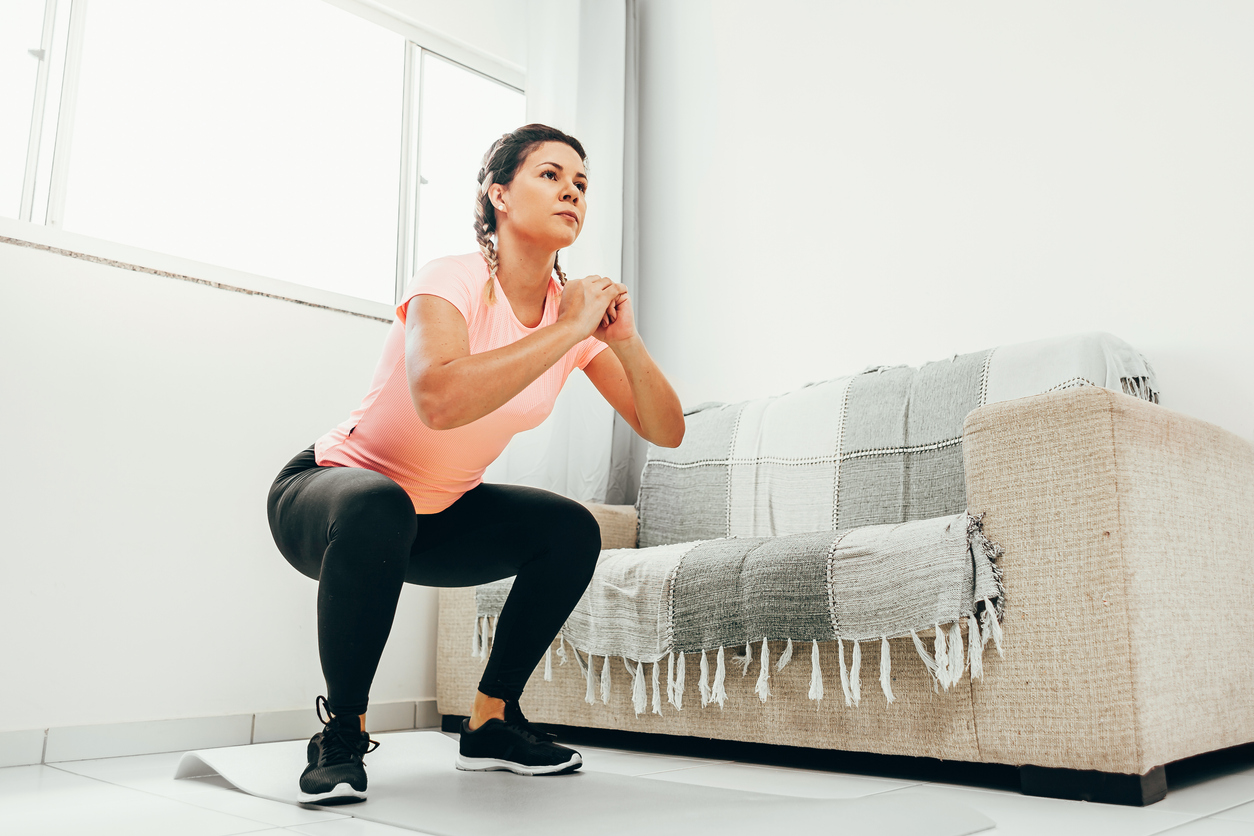 Qué ejercicios hacer con los recursos que hay en casa